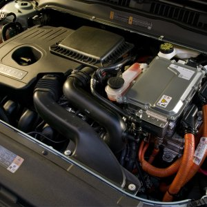 Hybrid_engine_compartment.jpg