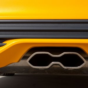 2015-Ford-Focus-ST-tailpipe.jpg