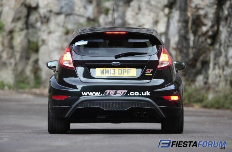Fiesta St With Wide Body Kit Ford Fiesta Gallery Pictures Images