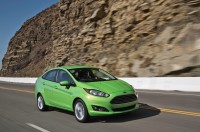 2014-Ford-Fiesta-SE-front-three-quarter-in-motion.jpg