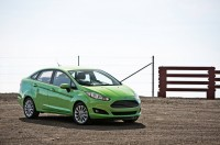 2014-Ford-Fiesta-SE-front-three-quarters.jpg