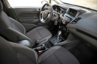 2014-Ford-Fiesta-SE-interior-view-02.jpg
