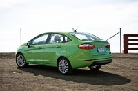 2014-Ford-Fiesta-SE-rear-three-quarters.jpg