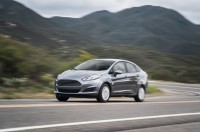 2014-ford-fiesta-sfe-ecoboost-front-three-quarter-in-motion-02.jpg